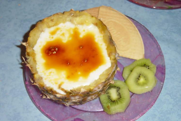 Crème brûlée dans un ananas
