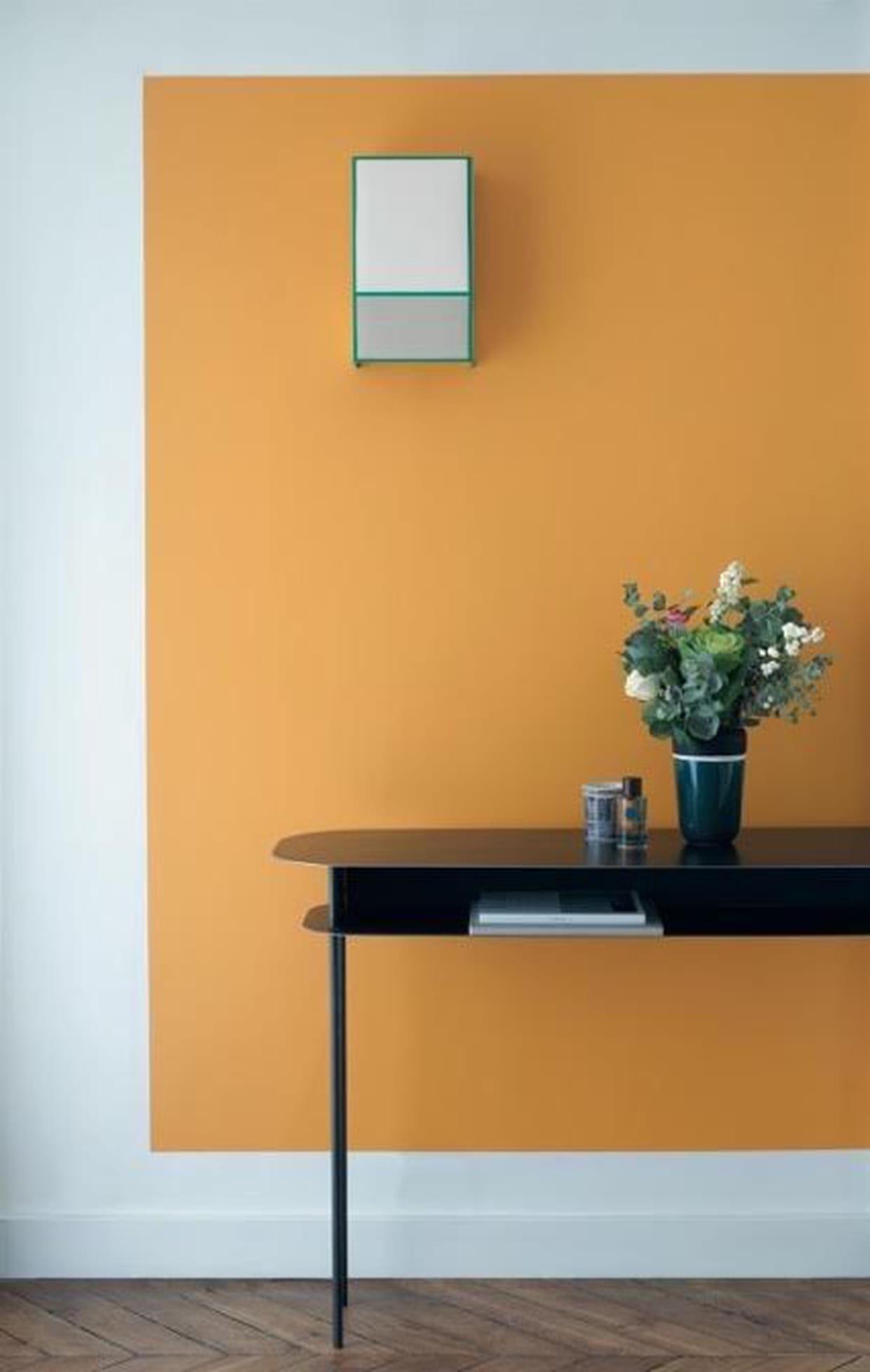 un salon la touche orang e. Black Bedroom Furniture Sets. Home Design Ideas