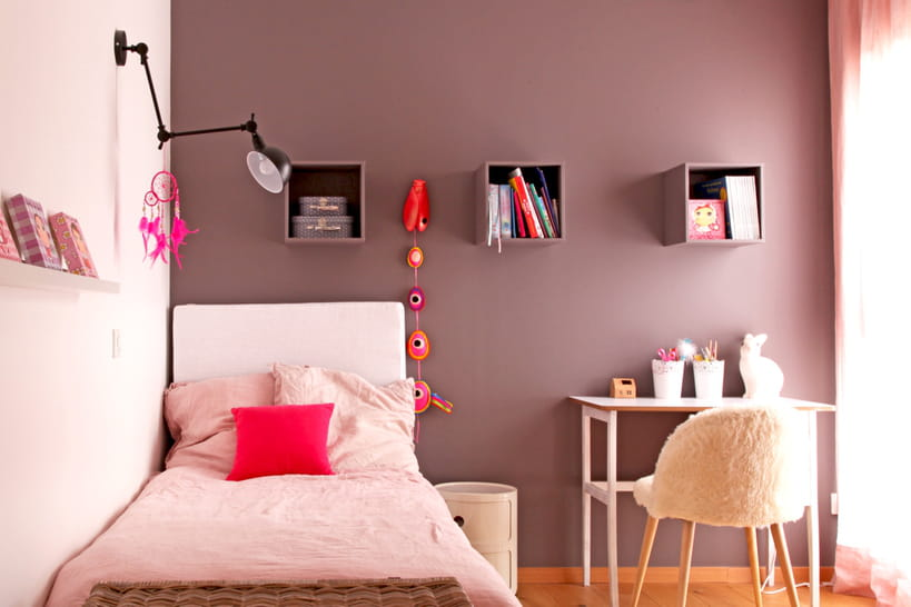 chambre de fille comment la d corer sans jouer le 100 rose. Black Bedroom Furniture Sets. Home Design Ideas