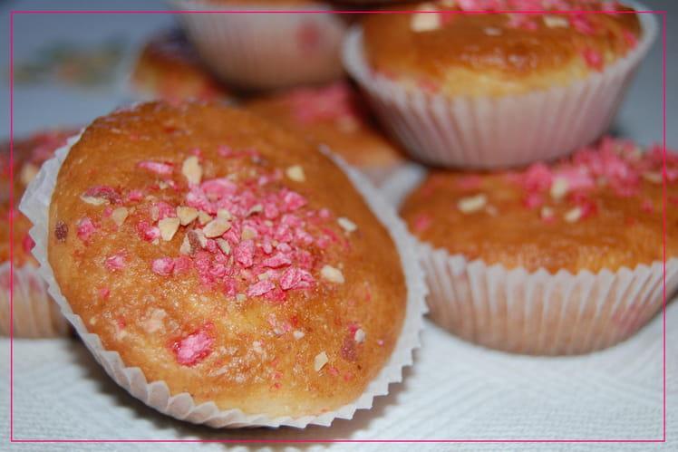 Mini cakes aux pralines roses et au citron