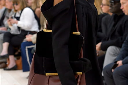 Celine (Close Up) - photo 22