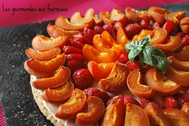 Tarte aux abricots, fraises et basilic