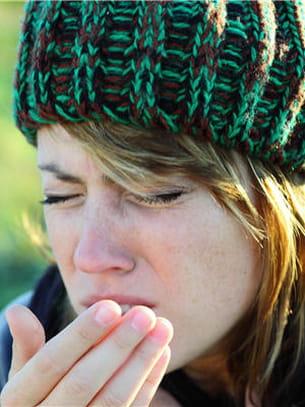 toux grasse ou toux sèche peuvent être le signe d'une bpco.