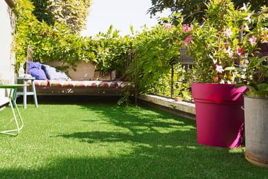 a rer et scarifier une pelouse. Black Bedroom Furniture Sets. Home Design Ideas