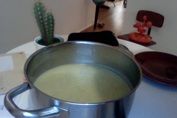 Soupe de courgettes, pommes de terre et Vache qui rit