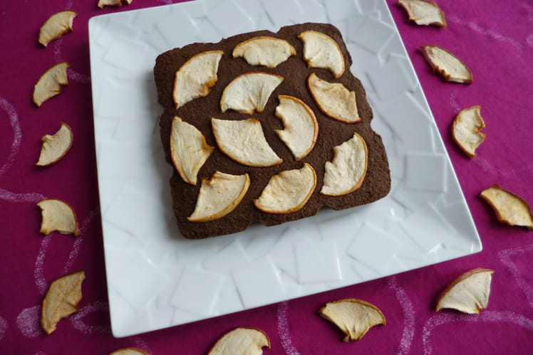 Gâteau 100% cru cacao caroube dattes pommes aux protéines de chanvre