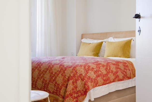 Une parure de lit à motifs ethniques