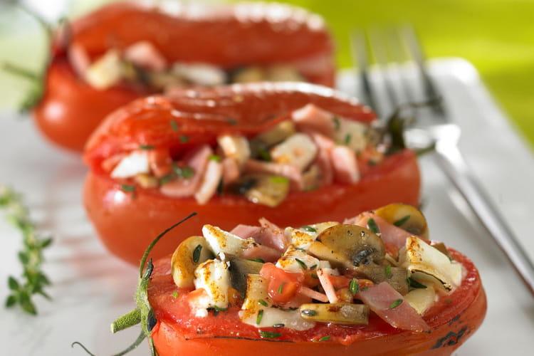 Tomate farcie au chèvre chaud