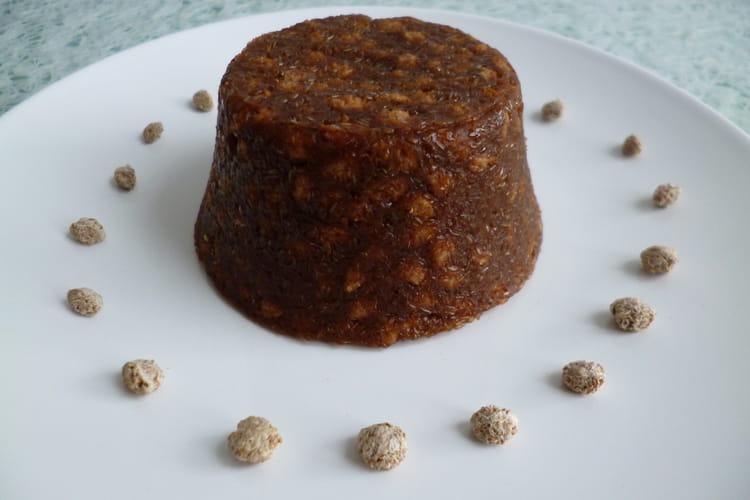 Gâteau cru pomme pruneau aux céréales de son de blé et au psyllium