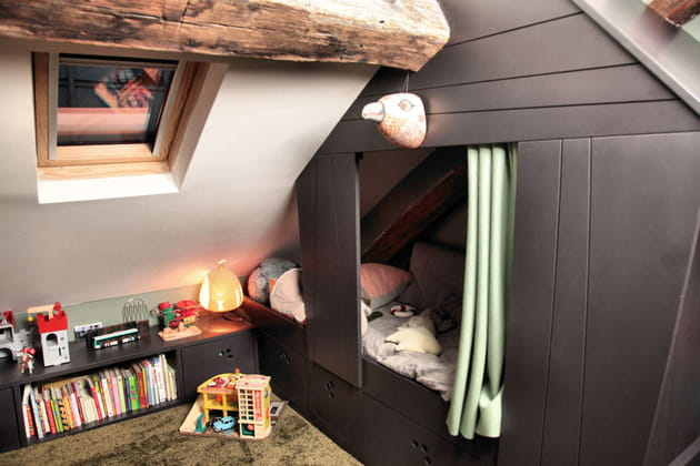 Un vrai lit cabane dans une chambre d 39 enfant for Cabane dans une chambre