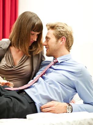une romance au bureau.