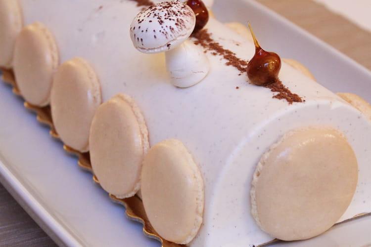 Bûche vanille tonka, caramel et spéculoos
