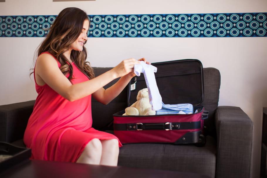 Liste de maternité: que mettre dans sa valise?