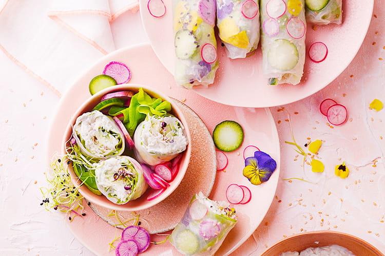 Rouleaux de printemps fleuris au fromage