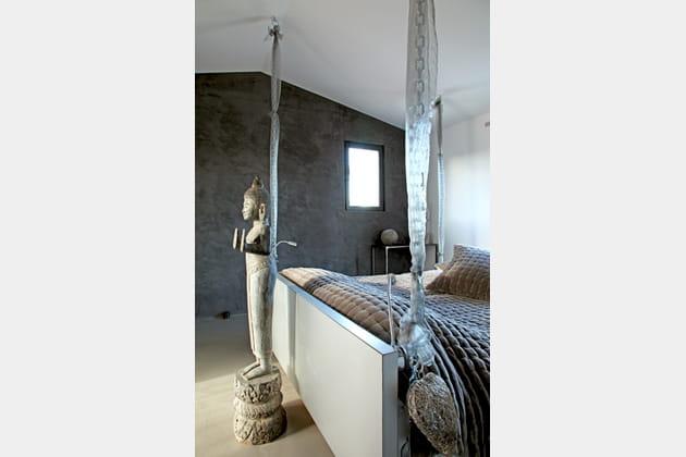 une chambre indon sienne. Black Bedroom Furniture Sets. Home Design Ideas