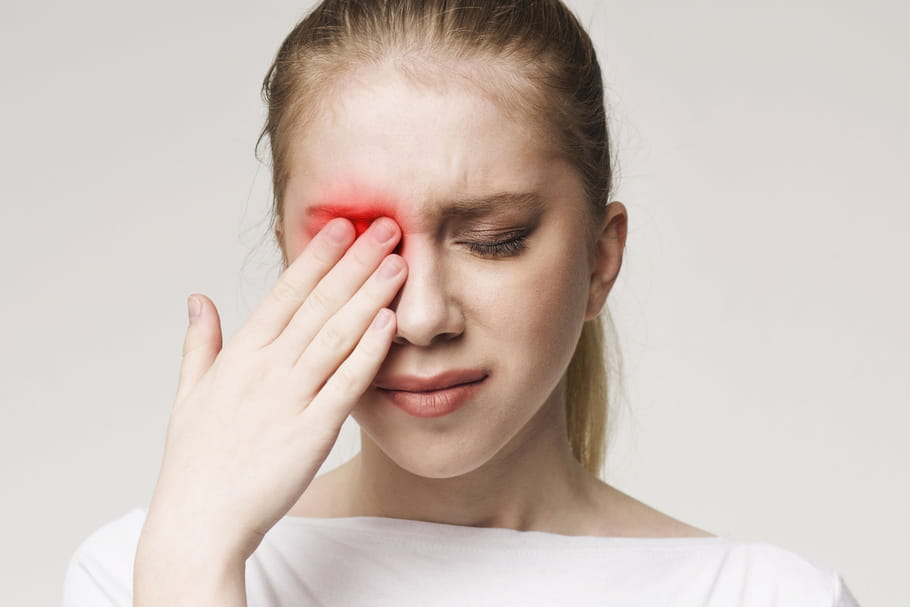 Produit chimique dans les yeux: que faire et quel danger?
