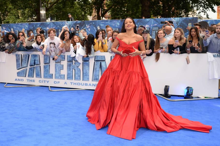 Rihanna pour Valerian: sa robe rouge sous les projecteurs