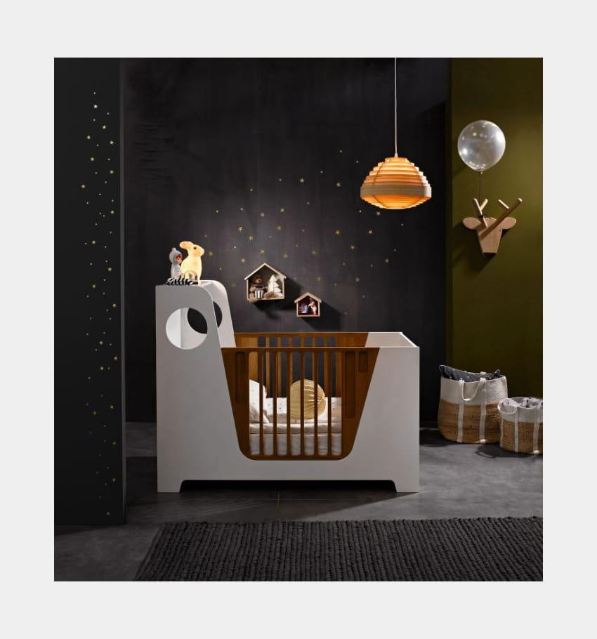 pat re t te de cerf par am pm chambre de b b une d co mixte pour fille et gar on journal. Black Bedroom Furniture Sets. Home Design Ideas