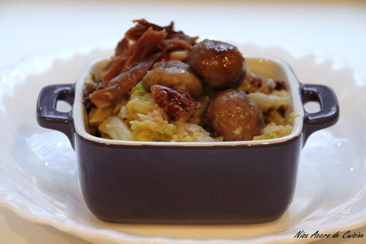Chou au canard, aux châtaignes et noix de pécan