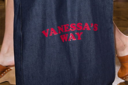 Vanessa Seward (Close Up) - photo 10