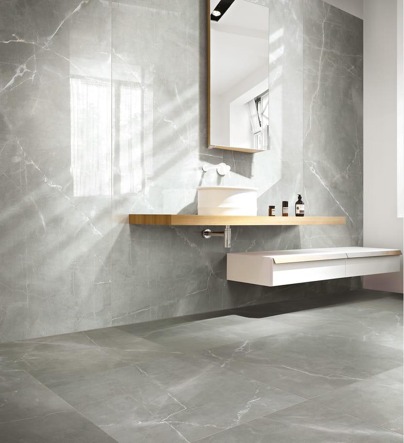 le carrelage effet marbre quel sol pour la salle de bains journal des femmes. Black Bedroom Furniture Sets. Home Design Ideas