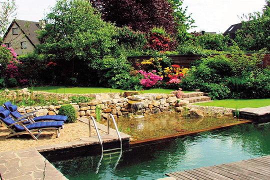 Un muret de pierre for Bouillie bordelaise piscine