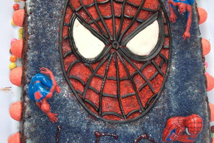 Gâteau spiderman facile