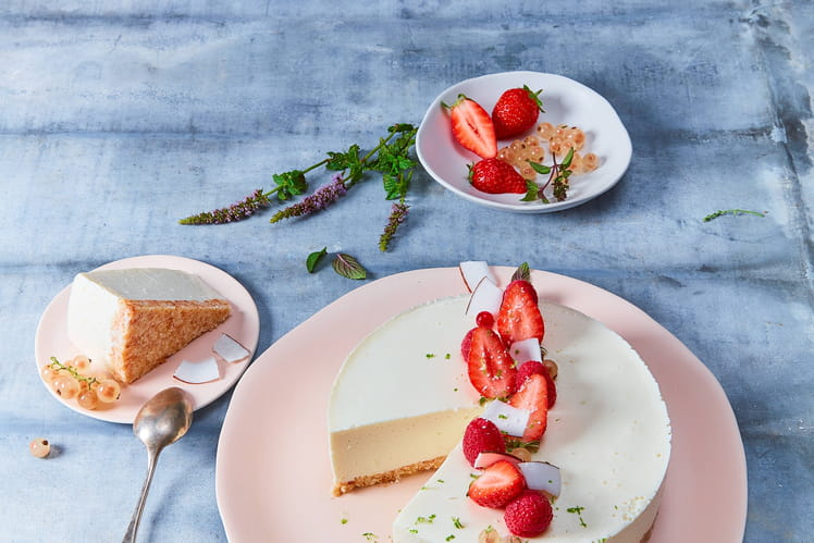 Cheesecake noix de coco au St Môret® réduit en sel et fruits rouges