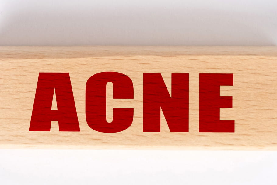 Traitements de l'acné(Roaccutane): durée, effets secondaires