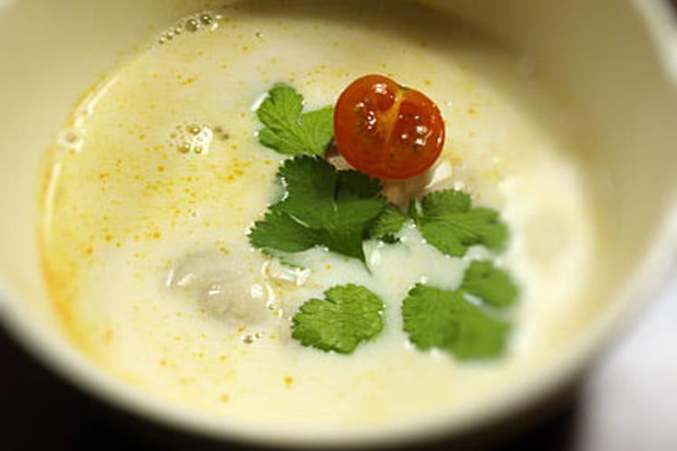 Soupe de champignons à la citronnelle thaïe