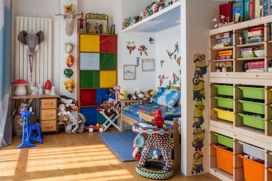 Ranger les jouets 13 id es pour une chambre d 39 enfant for Amenager une chambre avec 2 lits