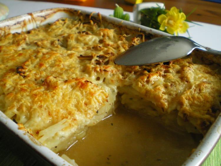 Recette de gratin de pommes de terre au bouillon de boeuf la recette facile - Recette de pomme de terre en gratin ...