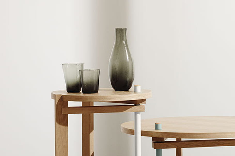 COS X Hay : une table d'appoint design signée Tomàs Alonso