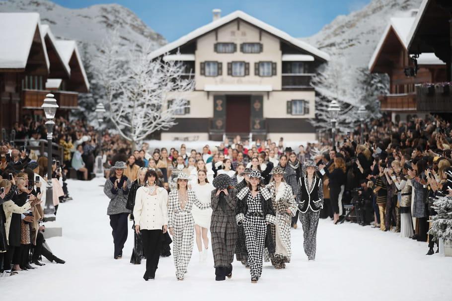 L'ultime défilé enneigé de Karl Lagerfeld pour Chanel