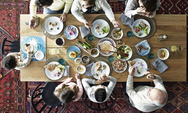 La table Västana/Västanby d'IKEA