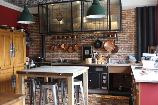 Une cuisine de chef un brin rustique