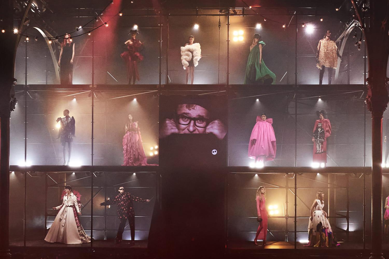 """Alber Elbaz: """"Love Brings Love"""", un show hommage grandiose"""