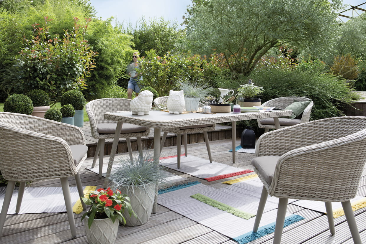 Beautiful table de jardin alu jardiland ideas amazing for Mobilier de jardin