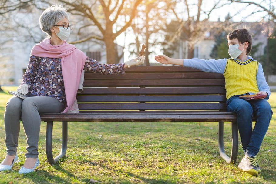 Les enfants peuvent-ils rendre visite aux grands-parents?
