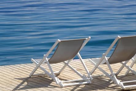 Détente et baignade dans la mer