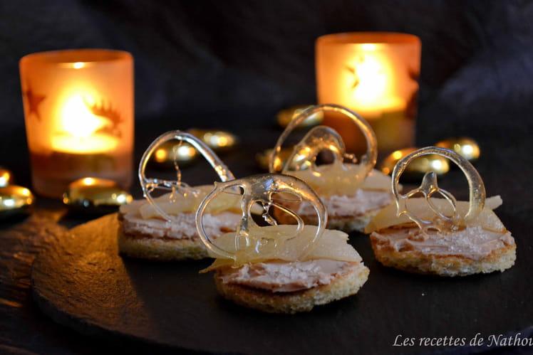 Toasts au foie gras et poires, caramel blond