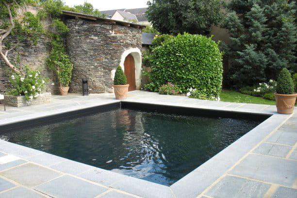 piscine citadine inf rieure 30 m de forme angulaire troph e d 39 argent ex aequo. Black Bedroom Furniture Sets. Home Design Ideas