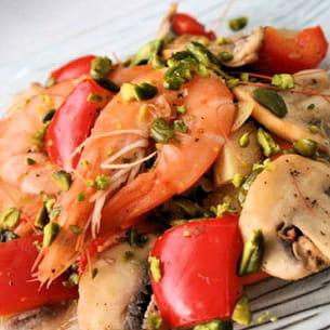 poêlée relevée de crevettes à la pistache