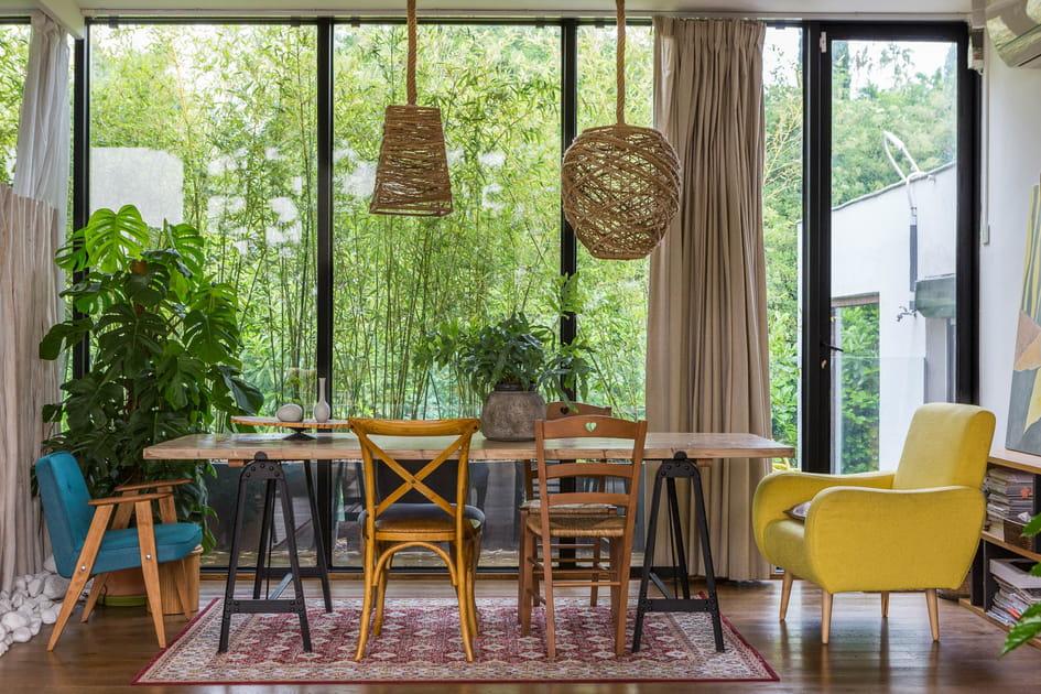 Une salle à manger inspiration atelier