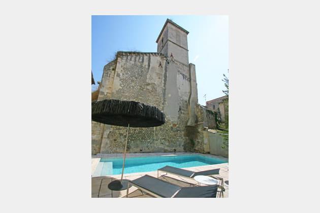 Une piscine sous l'église
