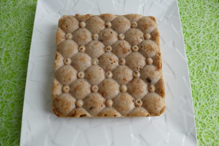 Gâteau moelleux pomme figue avec protéines, flocons et yaourt de soja
