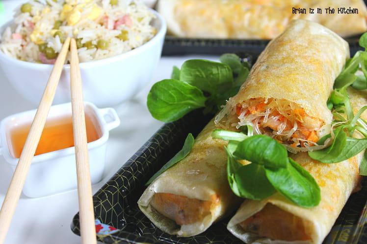 Nems crevettes, saumon fumé et menthe accompagnés de riz cantonais