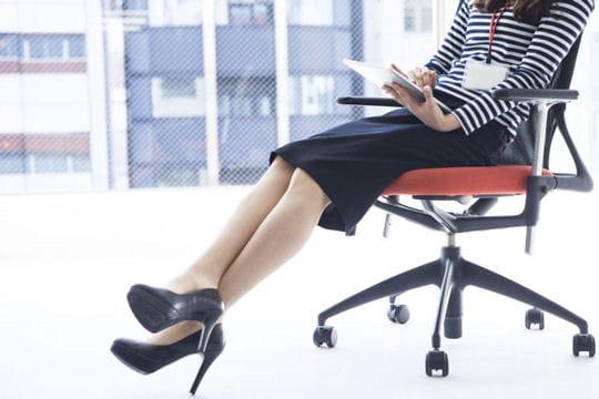 Vous restez assise à votre bureau toute la journée