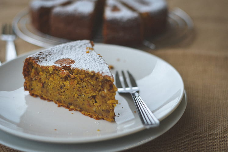 Gâteau moelleux aux carottes et noisettes