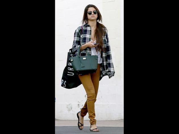 Selena Gomez, camel